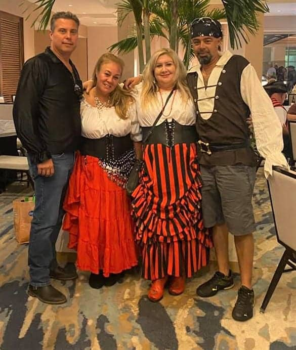 Gasparilla Outfits