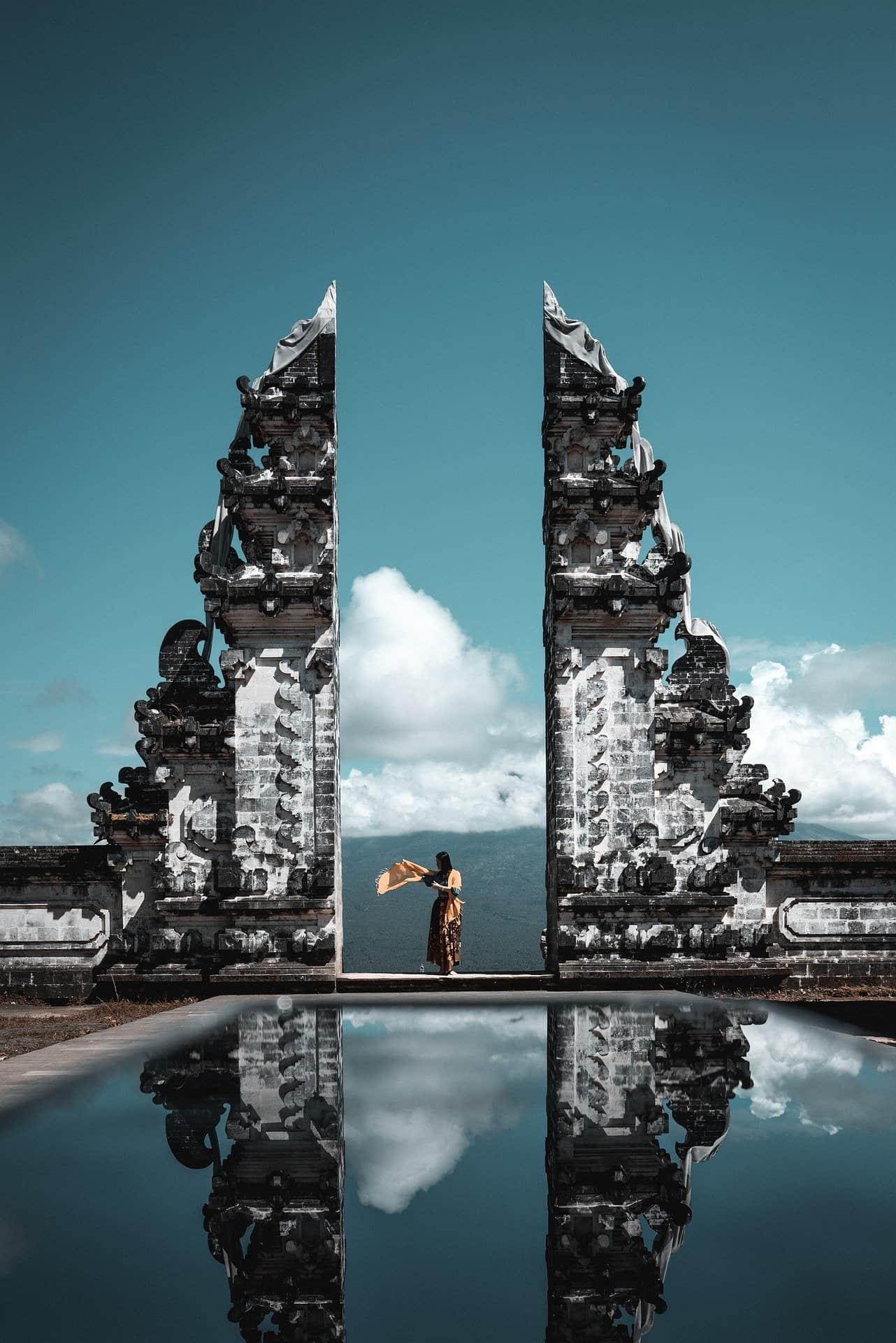 Lempuyang Temple Reflection Shot