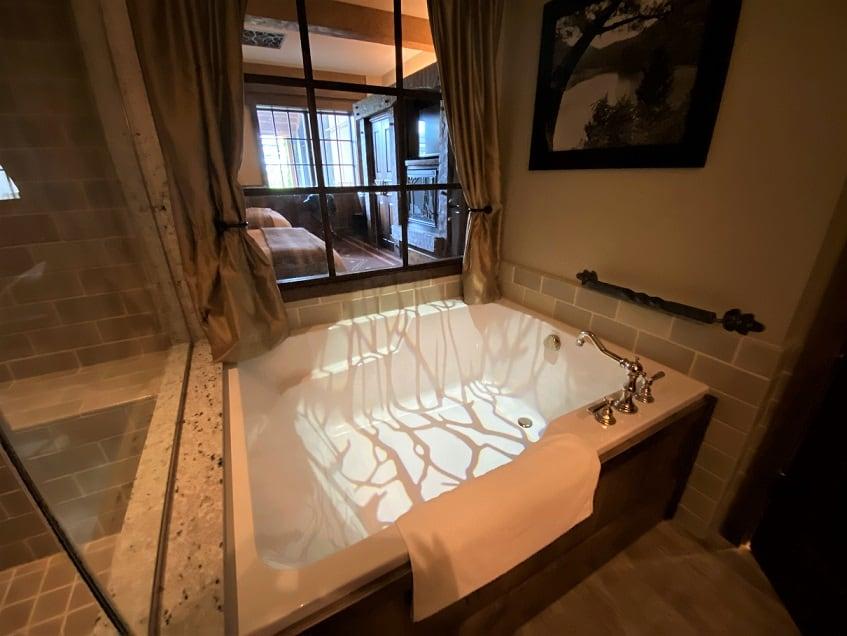 Big Cypress Lodge Bathroom 2