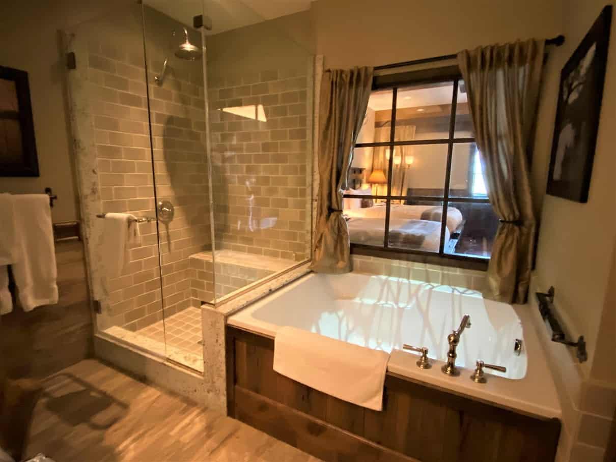 Big Cypress Lodge Bathroom 3