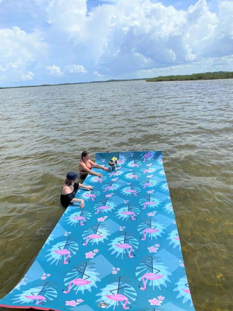 Floating Mat Daisy